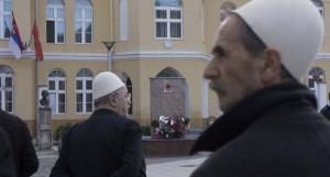 Споменик терористима остаје у центру Прешева