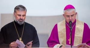 Епископ Григорије и бискуп Мато Узинић заједно служили молебан за јединство (видео)