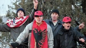На Косову група Албанаца претукла српског ученика