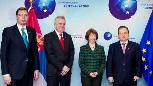 Политика: Зашто Ештонова инсистира да у Брисел дође и Вучић