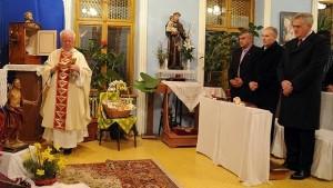 Николић на миси у Крагујевцу (видео)