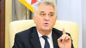 """Николић: Србија спремна да мења Устав како би издаја била """"легална"""""""