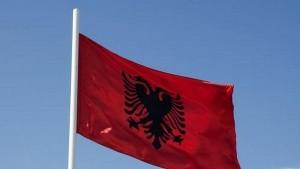Ко сме да такне албанску заставу у Скопљу?