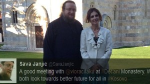 Бивши портпарол УЧК посетила манастир Дечани и циничног монаха Саву Јањића
