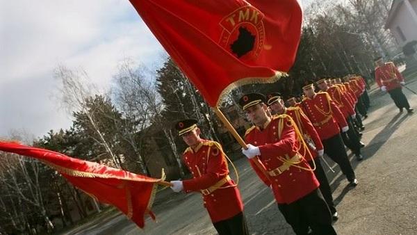 Приштина прави војску Косова и звецка оружјем, а Београд се чешља