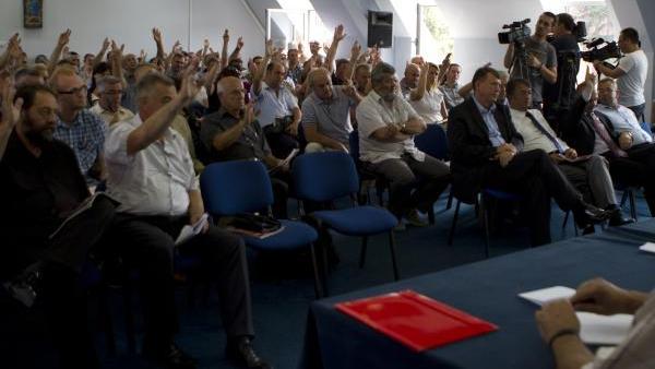 Снимак седнице Скупштине АП КиМ о шиптарским изборима (ВИДЕО)