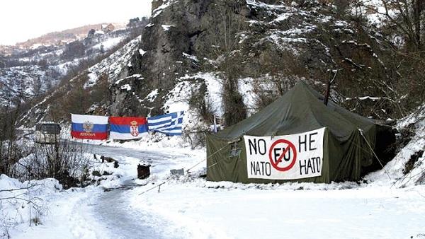 Подсећање: Српска жандармерија руши барикаду у међузони (ВИДЕО)