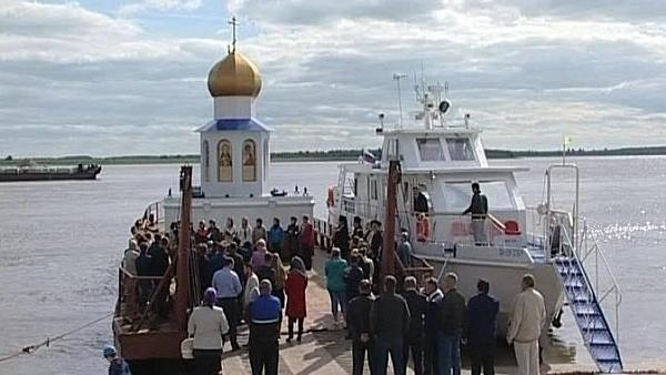 Руски Патријарх освештао плутајућу капелу-светионик (ВИДЕО)