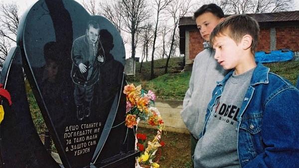 МИЛОШ ПЕТРОВИЋ – Убијен у нападу албанских екстремиста на село Церница (ВИДЕО)