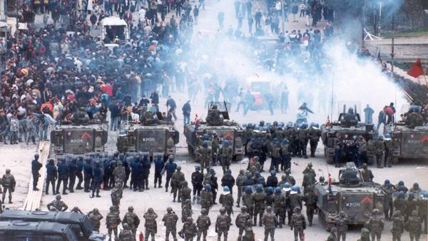 Овако су шиптари напали Србе на локалним изборима (ВИДЕО)