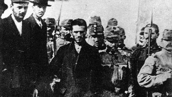 НОВИ УЛТИМАТУМ СРБИЈИ: У припреми ревизија Великог рата