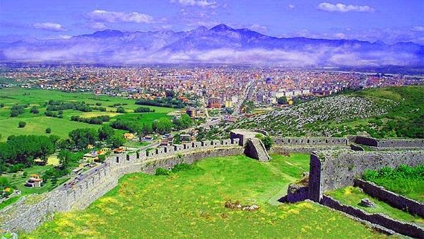 Права Троја је српска престоница Скадар, Шлиманова Троја у Турској је најобичнији фалсификат