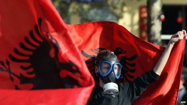 Са украјинским неонацистима сарађују Албанци