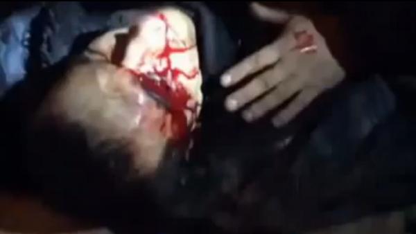 """""""Мирни демонстранти"""" у Кијеву извадили око и одсекли руку припаднику јединица """"Беркут""""! (ВИДЕО)"""
