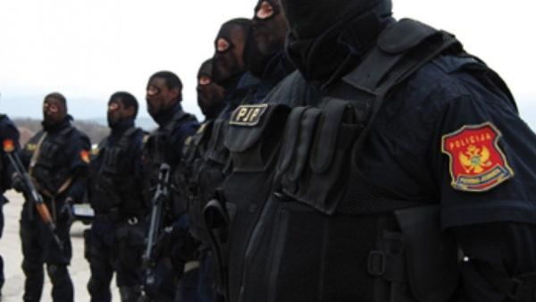 Policija-CG-001