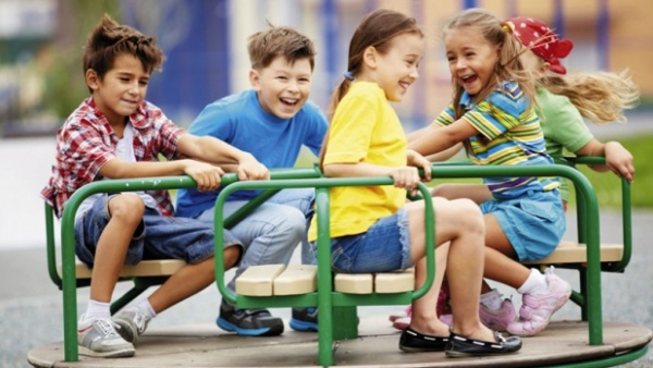 Иако подаци показују да бела куга сваке године у Србији однесе град од 30.000 људи, држава признаје само до четворо деце