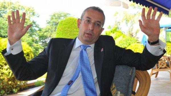 Гласовима одборника СНС и ДС Мајкл Девенпорт проглашен почасним грађанином Панчева