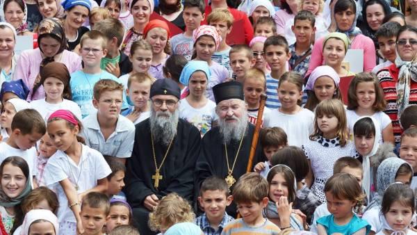 Господар Вучић спречава србске мајке да рађају децу