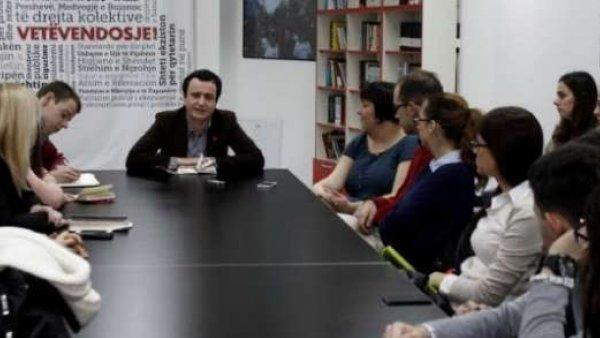 """ЈАДНИ БЕОГРАДЕ, ЈАДНИ ТИ """"СТУДЕНТИ"""" – Аљбин Курти на састанку са студентима из Београда"""