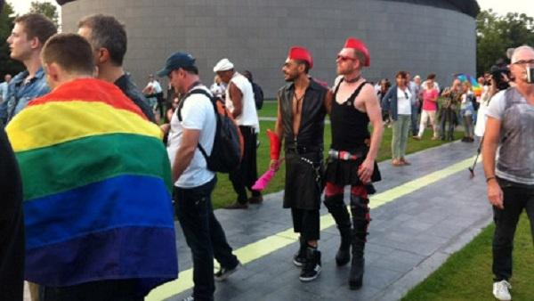 Руси забранили (геј) параду настраних