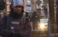 Париз: Рације, експлозије, има мртвих и повређених