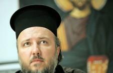 """Прота Велибор Џомић дочекао нову годину по """"Њу Ејџ канонима"""" у Сплендиду"""