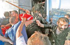 Ердоган води Турску у диктатуру