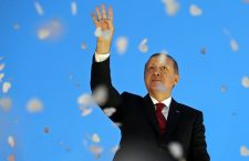 Ердоганова симулација војног пуча: Нeка Алах чува султана