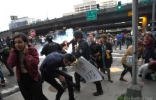 Хаос широм САД: Полиција испалила гумене метке на протесту