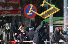 Грчка: Сукоб с полицијом током марша муслимана