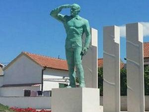 Споменик усташи Барешићу, Пакоштан