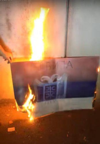 Хитна седница владе – тема Харадинај  ▋Због Харадинаја Шиптари запалили српску заставу (ВИДЕО, ФОТО)
