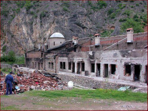 Подсећање: Епископ Артемије: Обновимо наше светиње молитвом (3)