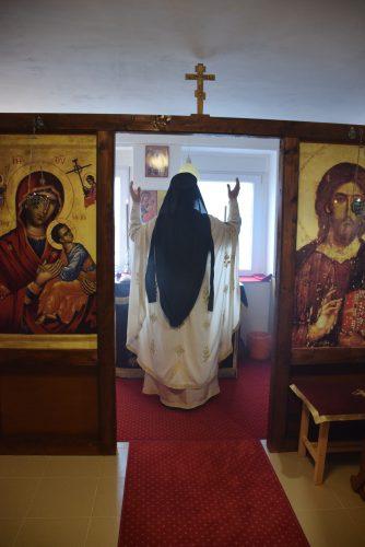 Прва Литургија у катакомби Светог Харитона Косовског у Сурдуку
