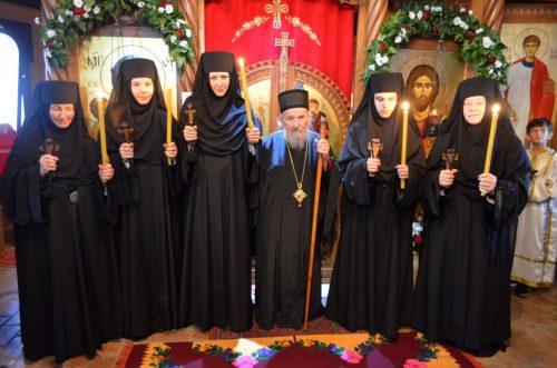 Нова монашења и празник Успенија Пресвете Богородице у манастиру Св. Николаја у Лозници