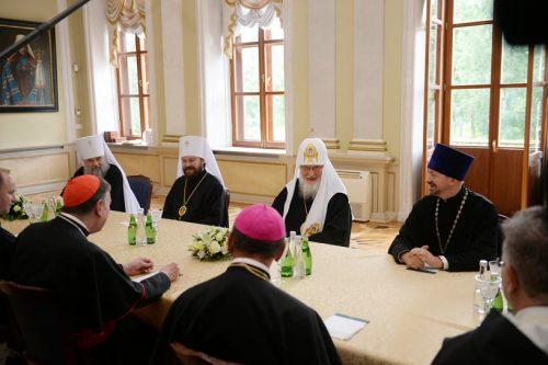 Патријарх Кирил изјавио да га је на разговор са папом одвео Дух Свети