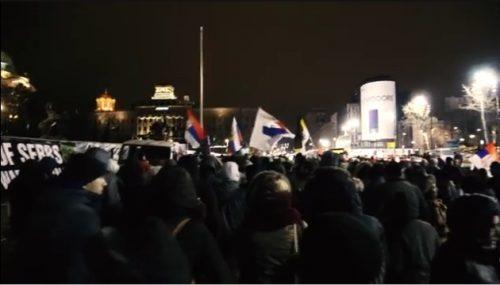 ОДЈЕЦИ ПРОТЕСТА ПРОТИВ НАТО: Космет се брани у Београду због домаћих издајника