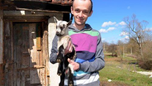 ПРЕМИНУО највољенији бескућник Ђорђе: Од 9. године његов живот је био патња, јуче је са само 30 напустио овај свет (ФОТО)
