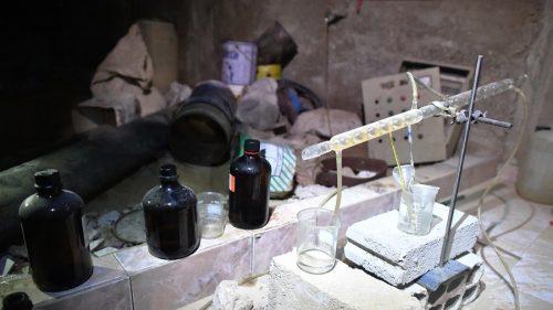 """РТ: Уз пратњу """"Белих шлемова"""" испоручене велике количине отровних хемикалија терористима – Москва"""