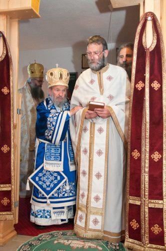 Архијерејска Литургија и рукоположење за свештеника у Кули