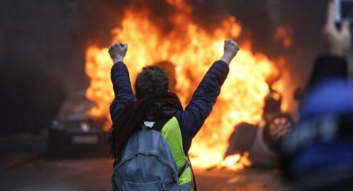 НАРОД УСТАЈЕ, ВЛАСТ У СТРАХУ: Започиње ли нова француска револуција