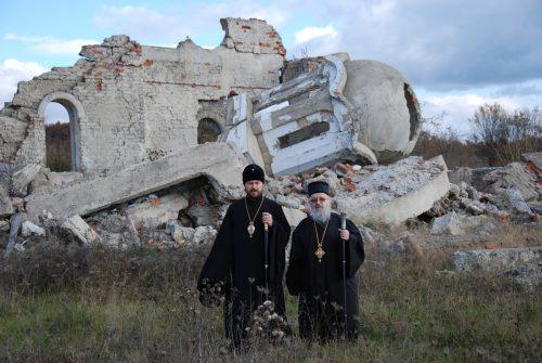 Потпуна истина о нецивилизацијскомуништавањусрпских светиња и гробља од странеАлбанаца на Космету