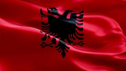 На Гимназији у Тузима осванула застава Албаније