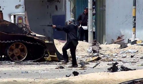 БЕСНИ РАТ У ЛИБИЈИ: Ваздушни напади на јужни део Триполија;Хитан апел УН: Дајте нам бар два сата примирја, да извучемо повређене!