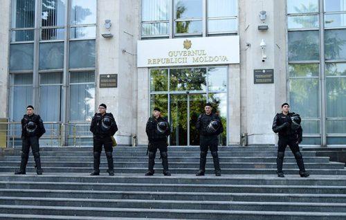 Врх режима Молдавије са пет приватних авиона побегао из земље