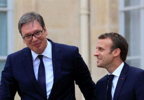 Волимо Француску као што Макрон не воли нас