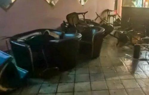 Хрватска: Код Книна нападнутии госте кафића због утакмице Звезде, петоро у болници