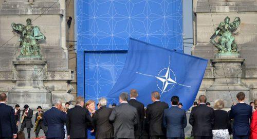 МАКЕДОНСКИ СЦЕНАРИО: Босну гурају у НАТО, против воље Срба