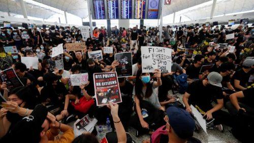 Ситуација у Хонгконгу стигла до опасне и експлозивне тачке
