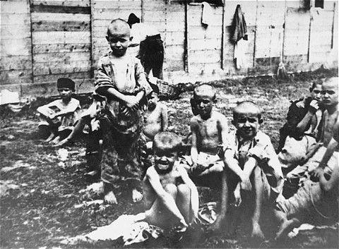 Starved-children-at-the-Stara-Gradiska-camp-in-Jasenovac